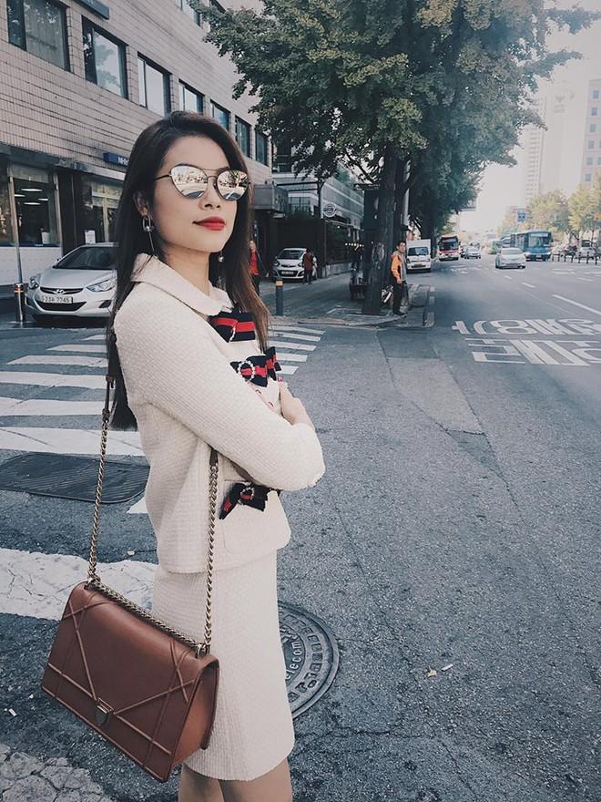 Sau 2 ngày mong ngóng, cuối cùng Phạm Hương đã xuất hiện, giản dị đến bất ngờ tại Tuần lễ thời trang Seoul - Ảnh 6.