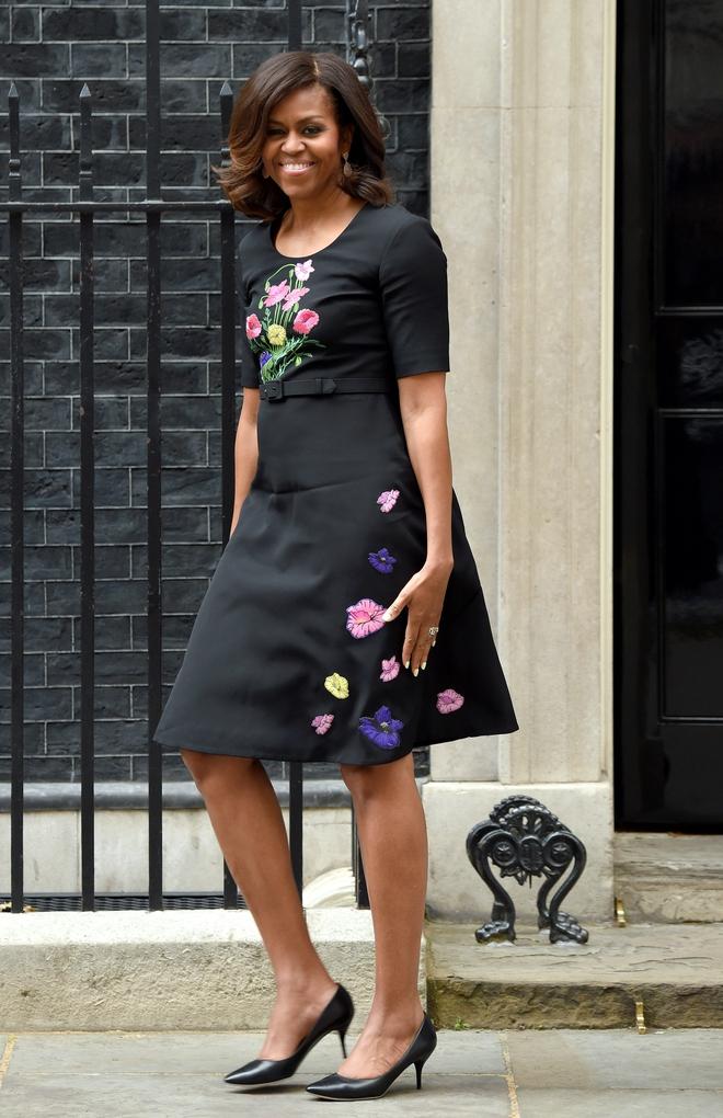 Ai thích diện hàng hiệu đắt tiền chứ bà Michelle Obama chỉ trung thành quần legging giá bình dân thôi! - Ảnh 2.