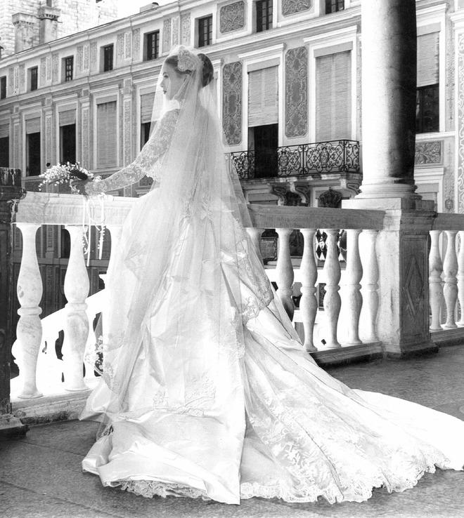 Điều bí ẩn gì đằng sau mẫu váy cưới Công nương Grace Kelly khiến cả thế giới sau 60 năm vẫn mê mẩn đến vậy - Ảnh 8.