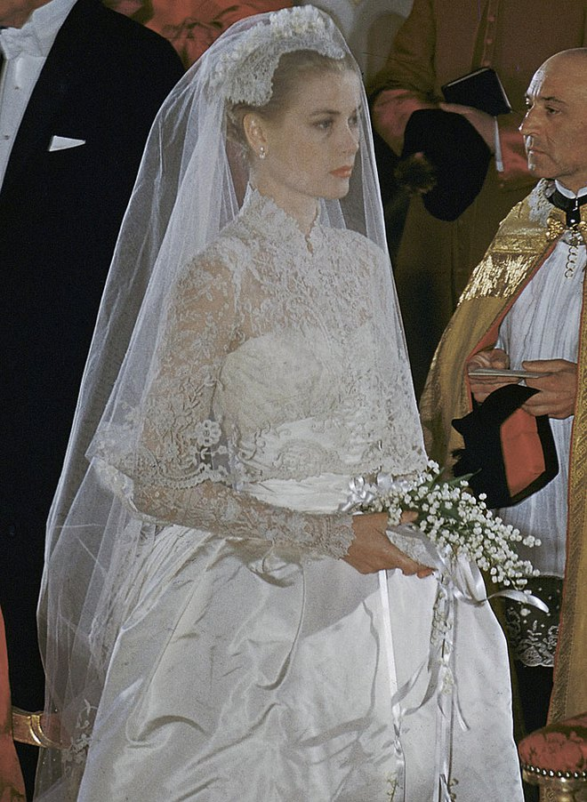 Điều bí ẩn gì đằng sau mẫu váy cưới Công nương Grace Kelly khiến cả thế giới sau 60 năm vẫn mê mẩn đến vậy - Ảnh 11.