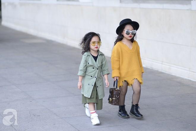 Tổng kết VIFW: Nổi bật nhất là street style vừa cool ngầu vừa yêu của loạt fashionista nhí  - Ảnh 6.