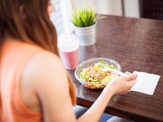 Lời khuyên về ăn uống của chuyên gia dinh dưỡng giúp bạn ăn uống lành mạnh hơn - Ảnh 4.