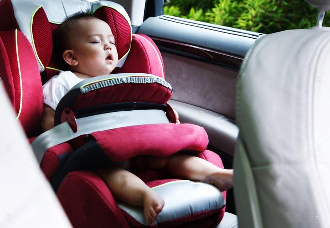 18 quy tắc an toàn bố mẹ cần nhớ để tránh các tai nạn nguy hiểm cho con khi đi xe buýt, taxi, ô tô riêng - Ảnh 3.