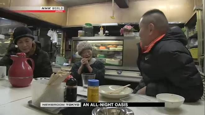 Lí do khiến cụ bà 91 tuổi này duy trì quán ăn đêm suốt 70 năm khiến cho nhiều người bật khóc - Ảnh 6.