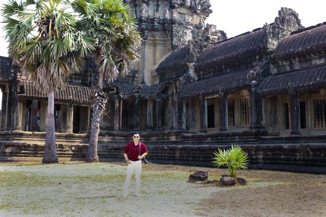 Nguyên Khang thích thú du lịch bụi, lê la vỉa hè ở Campuchia - ảnh 1