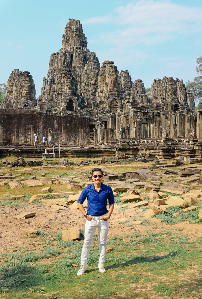 Nguyên Khang thích thú du lịch bụi, lê la vỉa hè ở Campuchia - ảnh 4