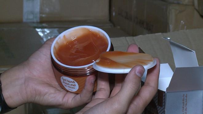 Hà Nội: Dùng kem trộn, một phụ nữ bị lột sạch da mặt, mất hàng trăm triệu điều trị nhưng chỉ phục hồi được 30-40% - Ảnh 6.