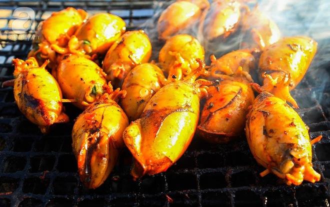 Cận cảnh phố ẩm thực đầu tiên ở Sài Gòn khiến giới trẻ phát cuồng - Ảnh 7.