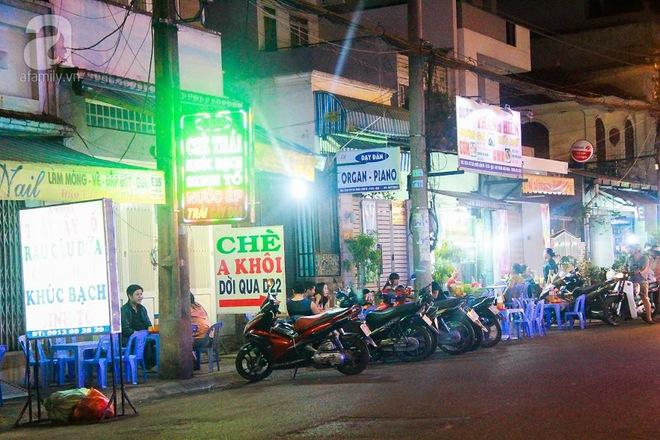 Cận cảnh phố ẩm thực đầu tiên ở Sài Gòn khiến giới trẻ phát cuồng - Ảnh 4.
