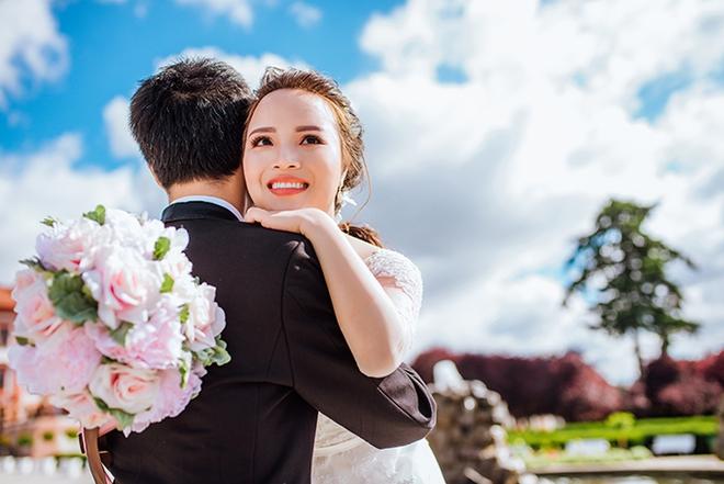 Cặp đôi Việt kiều Séc tỏ tình lãng mạn trên tuyết, chụp ảnh cưới hẹn hò trong… phòng giải phẫu - Ảnh 10.