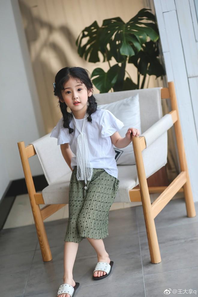 Tiểu tiên nữ có vẻ đẹp giống hệt Trương Bá Chi được dự đoán sẽ trở thành hot girl tương lai - Ảnh 16.