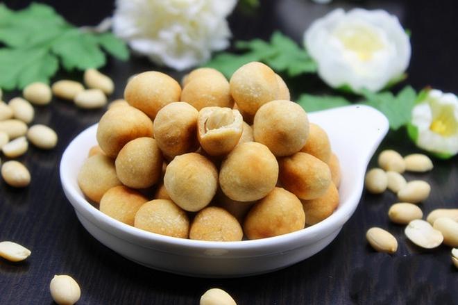 Giòn giòn thơm thơm đậu phộng tẩm bột ăn hoài không chán - Ảnh 5.