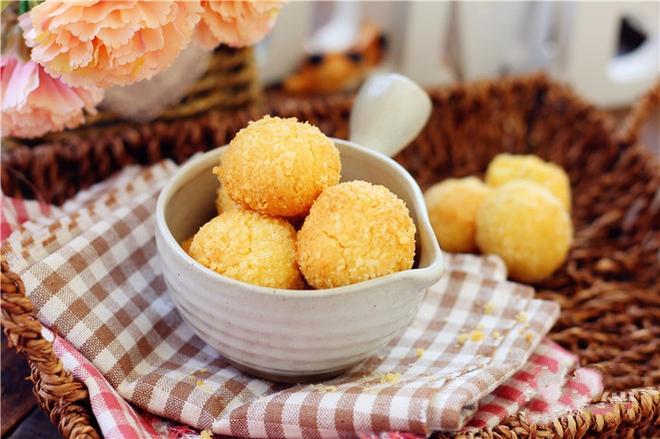 Mát trời tranh thủ làm bánh dừa giòn ngon thơm nức ai cũng mê - Ảnh 5.