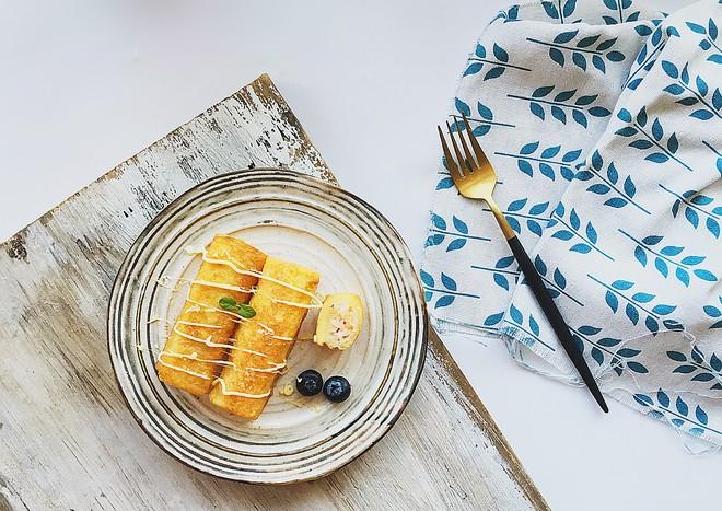 Bữa sáng ngon lành với bánh mì cuộn tôm chiên thơm phức - Ảnh 5.