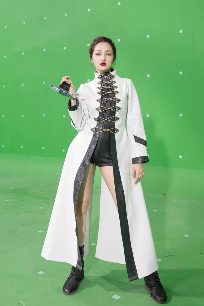 Bảo Anh hóa đả nữ ngổ ngáo, Ngô Thanh Vân xăm trổ đầy mình - Ảnh 3.