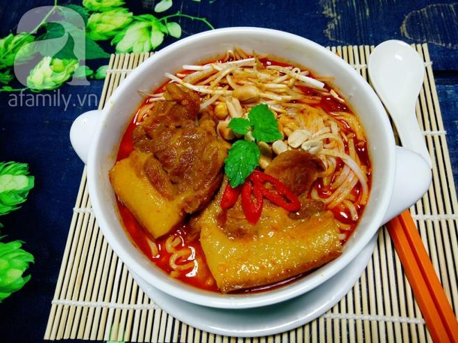 Có một công thức chuẩn để nấu món mì Quảng thịt heo đậm ngon - Ảnh 6.
