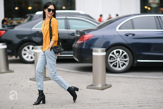 Street style cuối tuần: Quý cô hai miền - người lấp ló chân thon dài, người khoe vai trần cá tính - Ảnh 3.