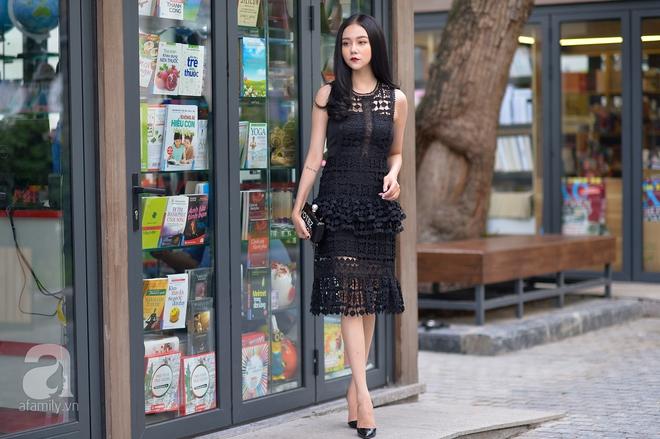 Cuối tuần thời tiết đẹp thế này, ngại gì mà không đẹp xinh dạo phố. Cố nàng Pall dạo phố sách nhẹ nhàng tinh khôi với một thiết kế váy ren xinh xắn.