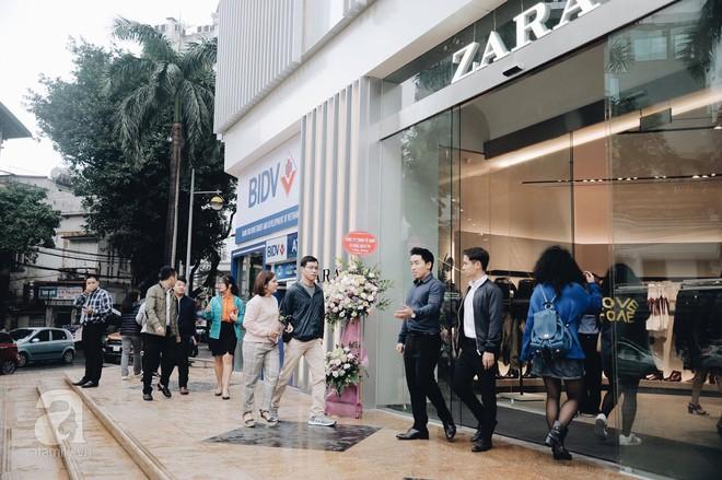Chị em công sở thanh thủ giờ nghỉ trưa ít ỏi, lao đến Zara mua sắm - Ảnh 4.
