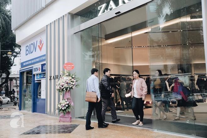 Chị em công sở thanh thủ giờ nghỉ trưa ít ỏi, lao đến Zara mua sắm - Ảnh 8.