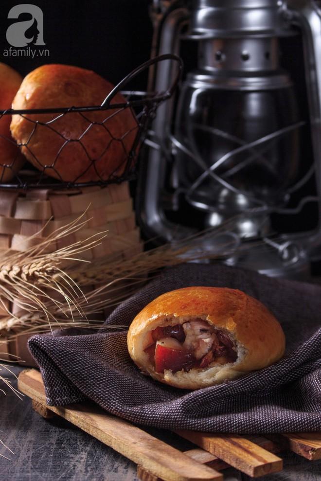 Ngon bất ngờ với bánh mì thịt kho tự làm từ A-Z - Ảnh 12.