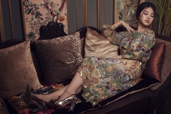 Hoa hậu con nhà giàu Jolie Nguyễn đẹp quyến rũ đến khó cưỡng với phong cách cổ điển - Ảnh 6.