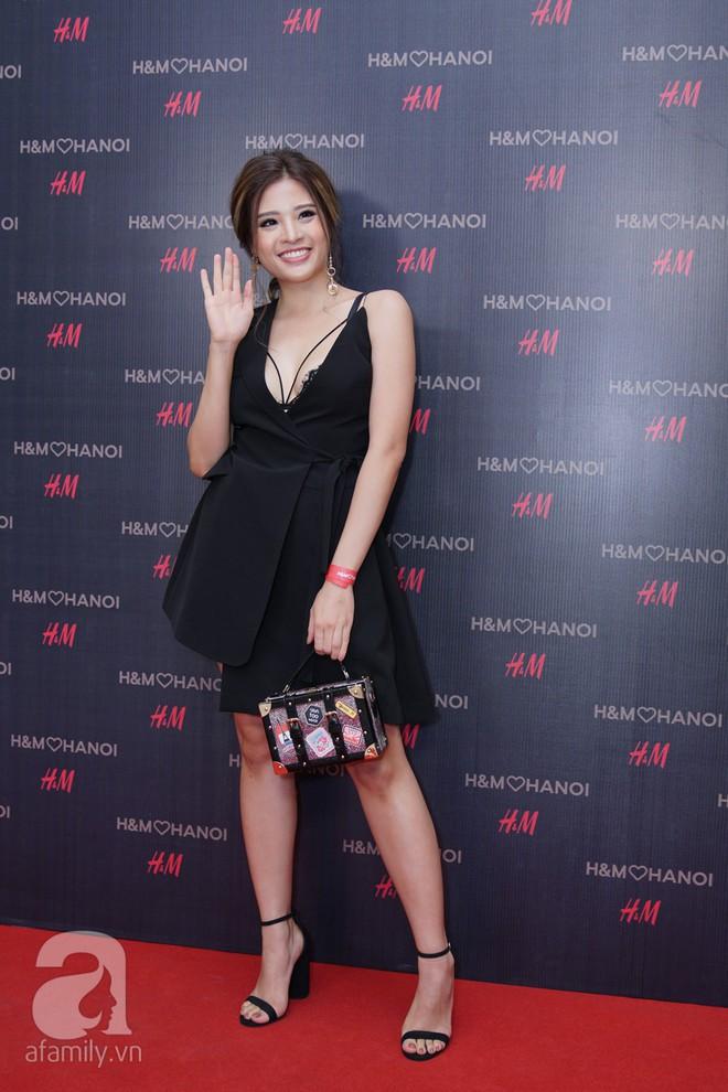 H&M mở store đầu tiên tại Hà Nội: Đồ người lớn rẻ đẹp, đồ trẻ em còn được mua 2 tặng 1 - Ảnh 16.
