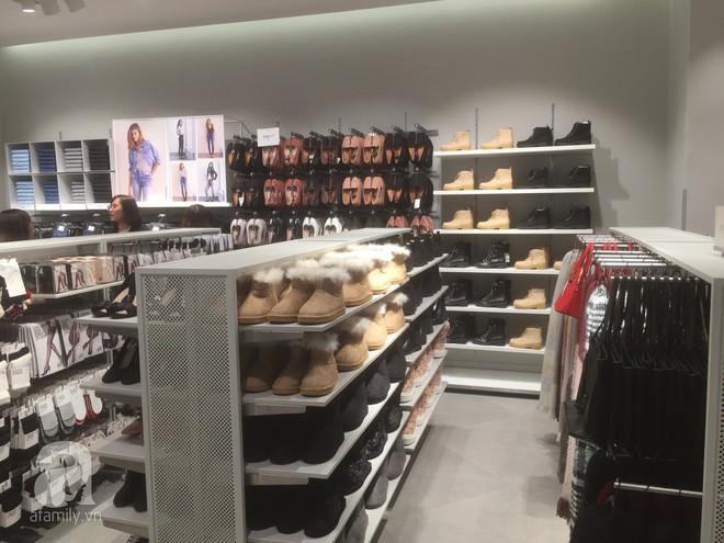 Trực tiếp: Những hình ảnh đầu tiên bên trong store của H&M tại Hà Nội - Ảnh 3.