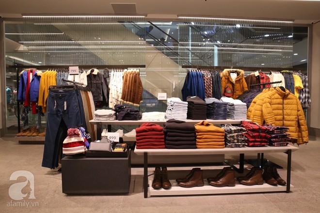 Zara cũng khai trương sớm tại Hà Nội, và đây là những hình ảnh đầu tiên bên trong cửa hàng - Ảnh 7.