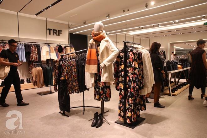 Zara cũng khai trương sớm tại Hà Nội, và đây là những hình ảnh đầu tiên bên trong cửa hàng - Ảnh 9.