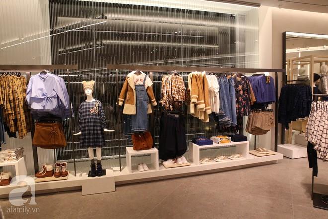 Zara cũng khai trương sớm tại Hà Nội, và đây là những hình ảnh đầu tiên bên trong cửa hàng - Ảnh 12.