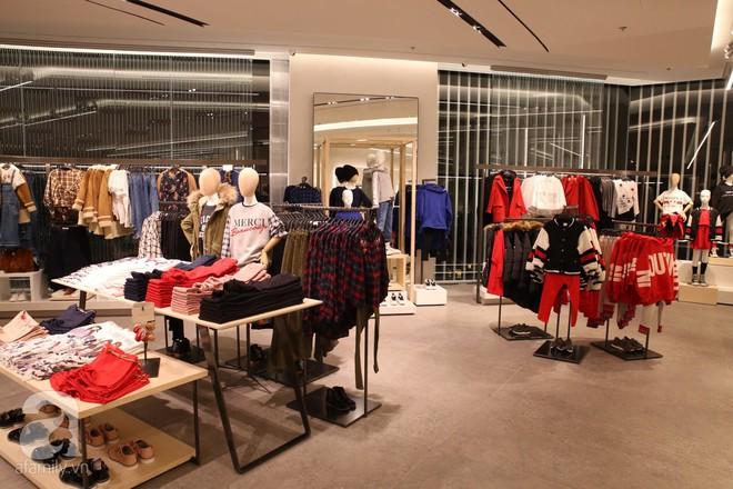 Zara cũng khai trương sớm tại Hà Nội, và đây là những hình ảnh đầu tiên bên trong cửa hàng - Ảnh 14.