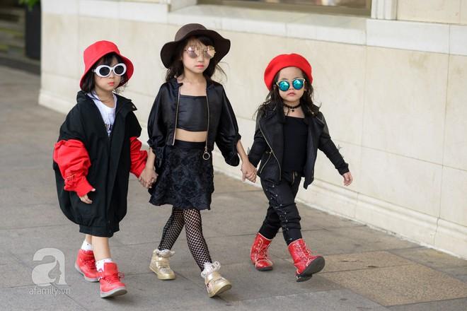 Tổng kết VIFW: Nổi bật nhất là street style vừa cool ngầu vừa yêu của loạt fashionista nhí  - Ảnh 13.