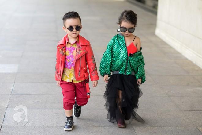 Tổng kết VIFW: Nổi bật nhất là street style vừa cool ngầu vừa yêu của loạt fashionista nhí  - Ảnh 14.