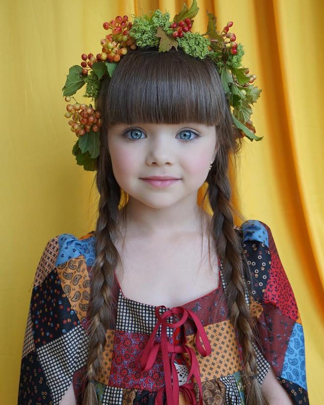 Nếu bạn thắc mắc thế nào là vẻ đẹp không góc chết, hãy ngắm cô bé được mệnh danh là thiên thần đẹp nhất thế giới này - Ảnh 18.