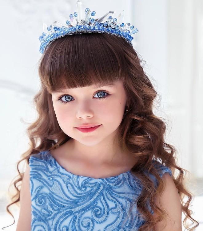 Nếu bạn thắc mắc thế nào là vẻ đẹp không góc chết, hãy ngắm cô bé được mệnh danh là thiên thần đẹp nhất thế giới này - Ảnh 17.