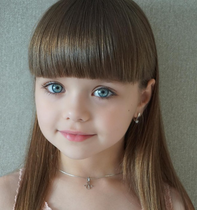 Nếu bạn thắc mắc thế nào là vẻ đẹp không góc chết, hãy ngắm cô bé được mệnh danh là thiên thần đẹp nhất thế giới này - Ảnh 14.