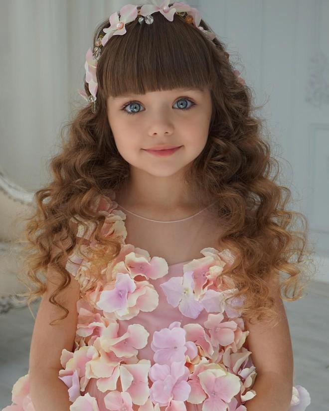 Nếu bạn thắc mắc thế nào là vẻ đẹp không góc chết, hãy ngắm cô bé được mệnh danh là thiên thần đẹp nhất thế giới này - Ảnh 7.