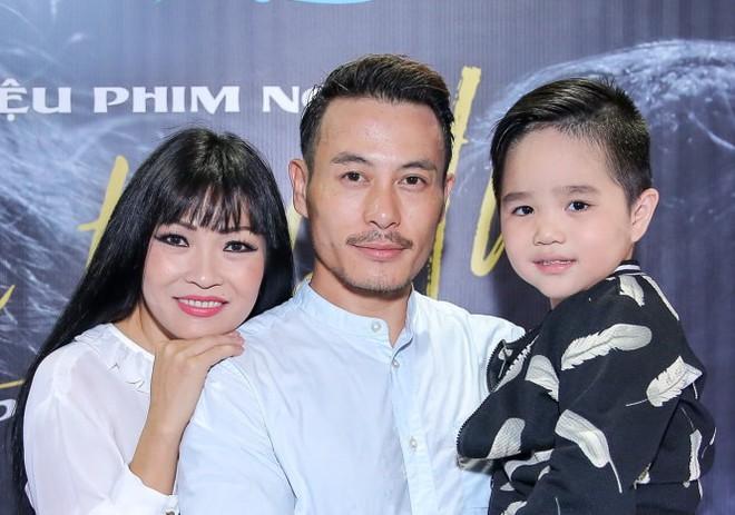 """Việt Hương – Ngô Kiến Huy """"đứng hình"""" vì độ đáng yêu của """"con trai"""" Phương Thanh - Ảnh 2."""