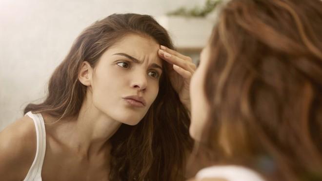 Những thay đổi nhỏ trên da tưởng bình thường nhưng cũng có thể là dấu hiệu cảnh báo bạn cần đi khám da liễu ngay - Ảnh 8.