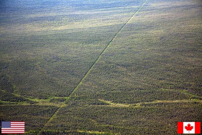 Những đường biên giới độc nhất vô nhị trên thế giới, số 11 thật không thể tin nổi - Ảnh 13.