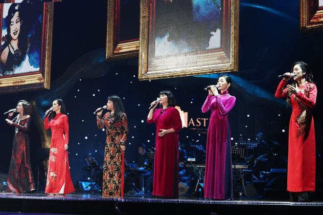 Mãn nhãn, đã tai với màn hòa giọng của Hồng Nhung cùng 6 giọng ca khủng - Ảnh 1.