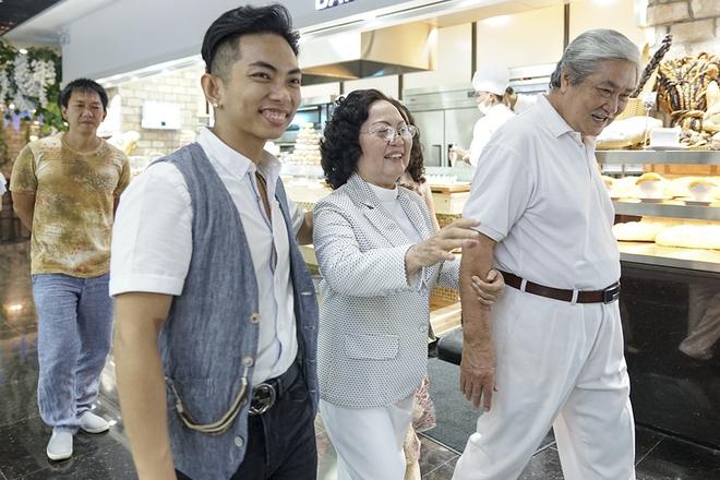 Con trai Khánh Thi - Phan Hiển được cưng như hoàng tử trong tiệc sinh nhật 2 tuổi - Ảnh 4.