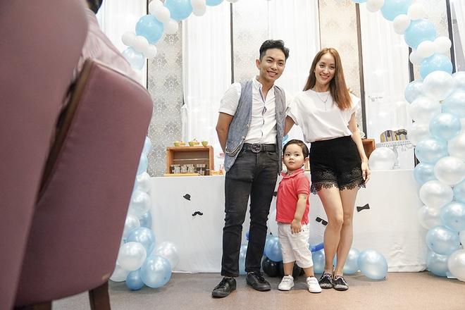 Con trai Khánh Thi - Phan Hiển được cưng như hoàng tử trong tiệc sinh nhật 2 tuổi - Ảnh 7.