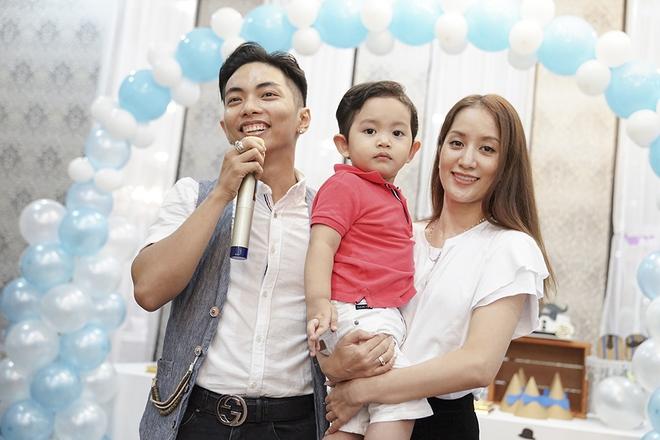 Con trai Khánh Thi - Phan Hiển được cưng như hoàng tử trong tiệc sinh nhật 2 tuổi - Ảnh 14.