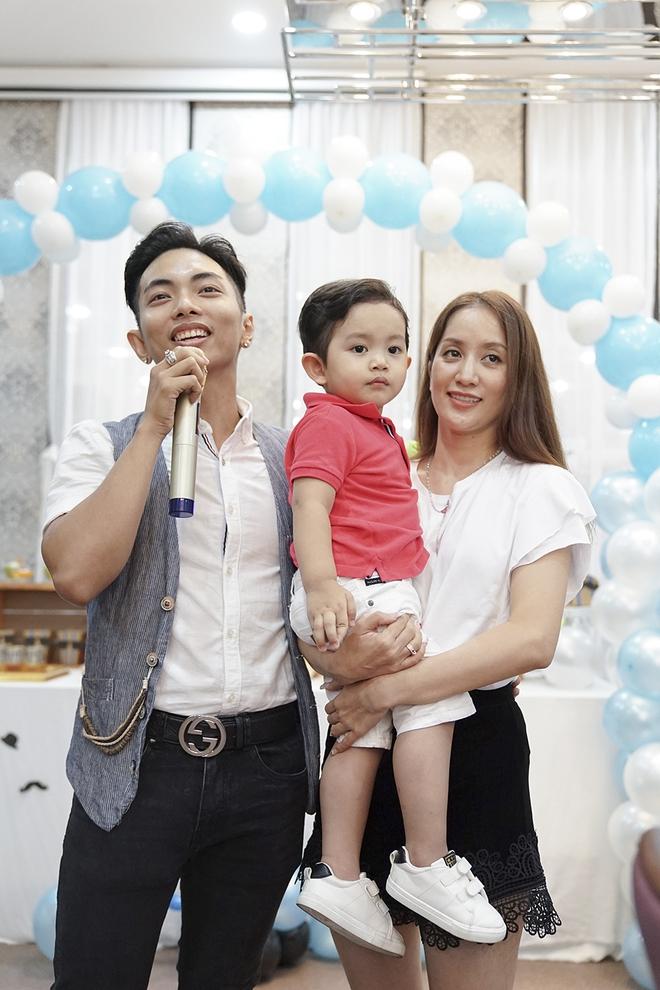 Con trai Khánh Thi - Phan Hiển được cưng như hoàng tử trong tiệc sinh nhật 2 tuổi - Ảnh 15.