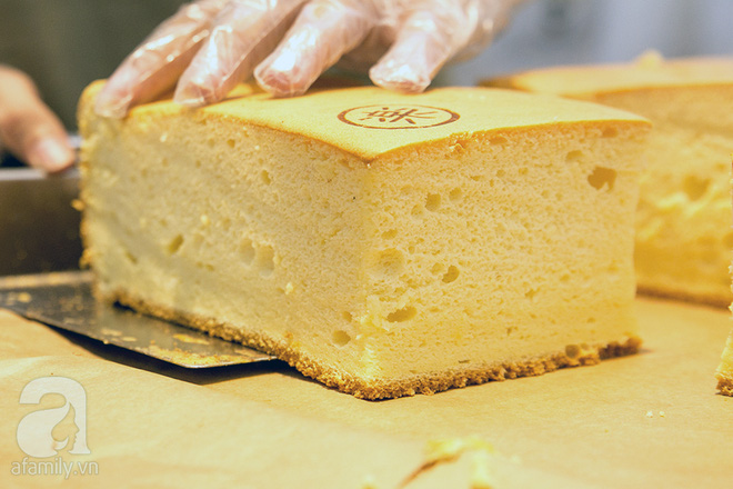 Cuối cùng, bánh bông lan khổng lồ Đài Loan từng gây sốt ở Sài Gòn cũng đã tới Hà Nội - Ảnh 8.