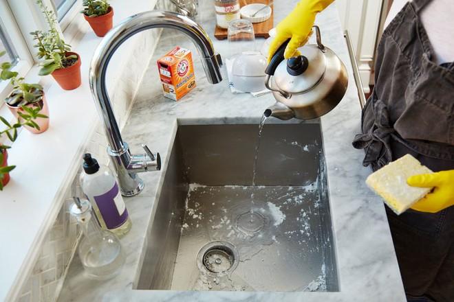 Sau mỗi lần rửa bát, đây là việc đầu tiên tôi cần phải làm ngay lập tức - Ảnh 4.