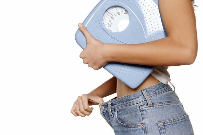 Giảm hẳn 6kg chỉ trong 1 tháng: Đồ uống giảm cân này sẽ giúp bạn làm được điều kỳ diệu đó! - Ảnh 1.