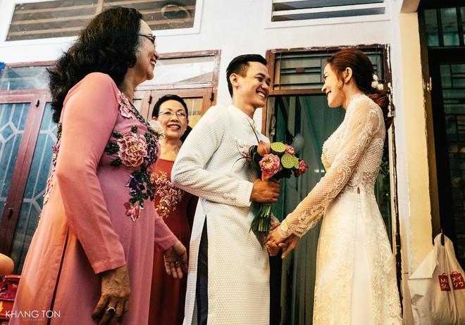 Cả thế giới ra mà xem: Đám cưới sau 9 năm yêu với màn rước dâu tăng động cực chất của cặp đôi Sài Gòn - Ảnh 8.